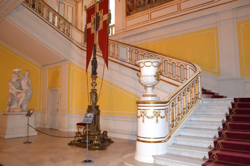 在皇家城堡的楼梯 免版税库存图片