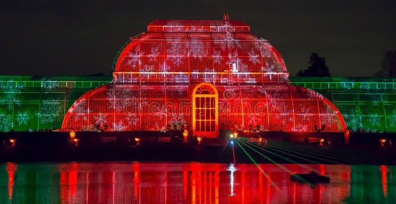 在皇家Kew庭院,伦敦的激光投射 库存照片