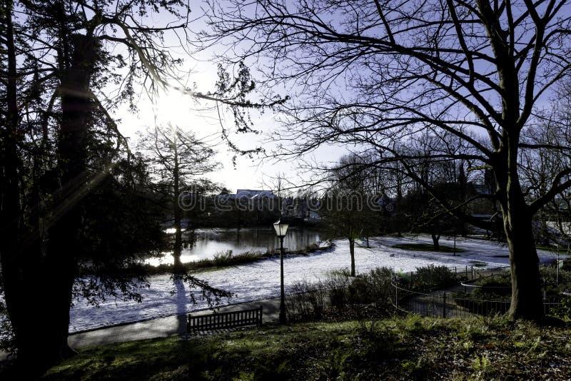 在皇家Leamington温泉-泵房/杰夫森庭院的冬天 免版税库存图片