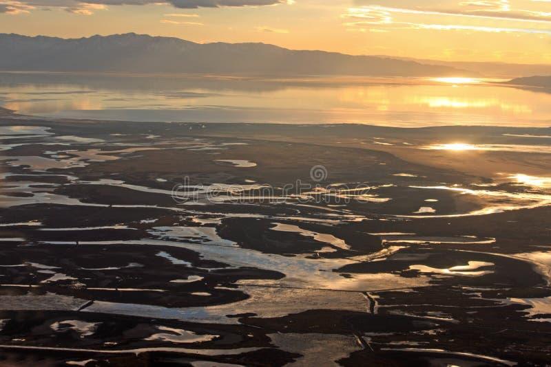 在盐湖的日落 免版税库存图片