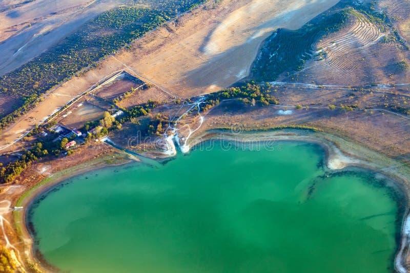 在盐湖的顶视图 r r 免版税库存照片