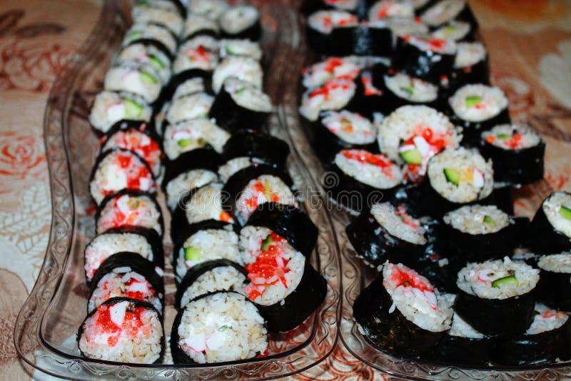 在盘子的寿司 免版税图库摄影