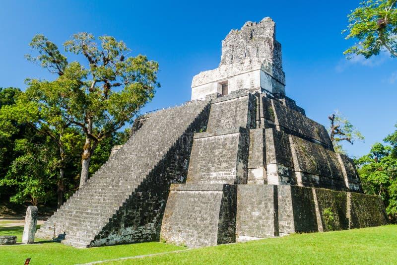 在盛大广场的寺庙II考古学站点的蒂卡尔,Guatema 库存图片
