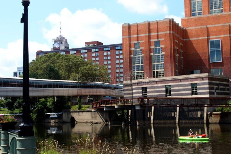 在盛大河的皮船 库存照片
