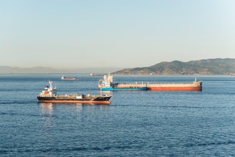 在直布罗陀的港的船 免版税库存照片