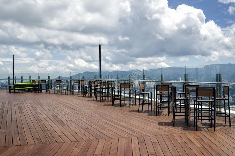 在看乔治城市从Komtar塔的第66楼,槟榔岛,马来西亚的表 免版税图库摄影