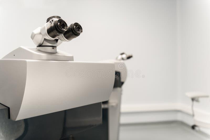 在眼科的设备 免版税图库摄影