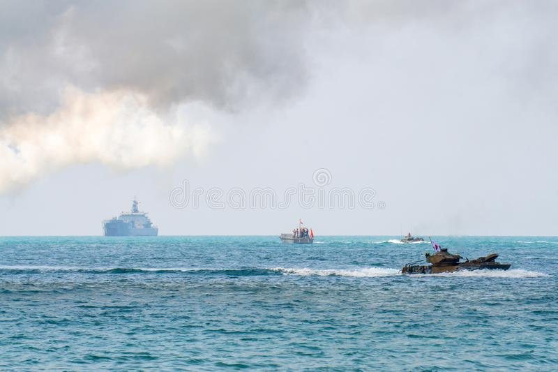 在眼镜蛇金子2018多民族军事演习期间,攻击韩国风帆两栖车沿海的 图库摄影
