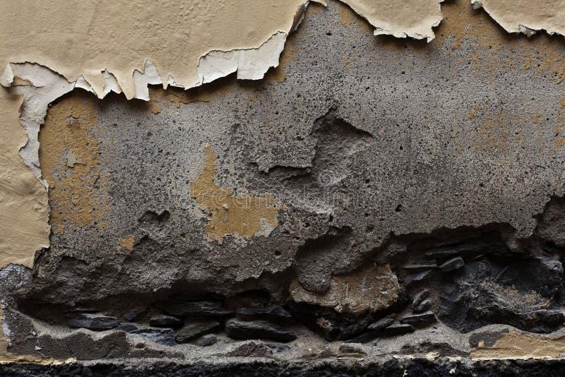 在石墙细节的断裂 免版税库存图片
