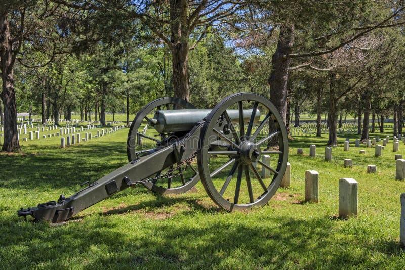 在石头河全国战场和公墓的大炮 库存照片