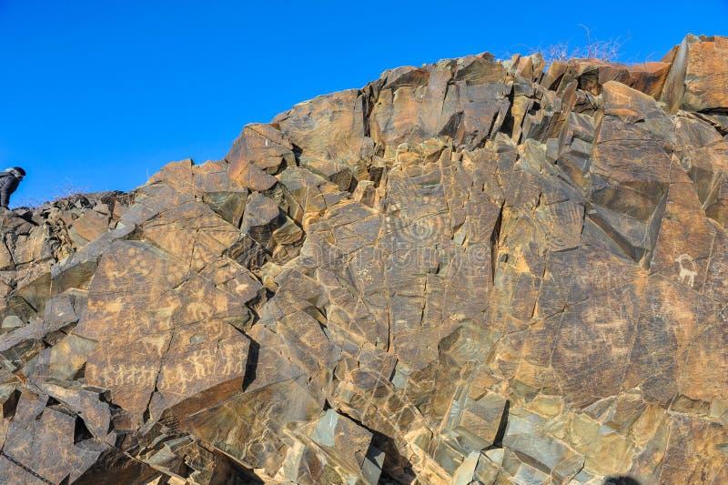 在石头的刻在岩石上的文字 免版税库存照片
