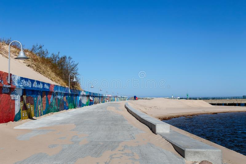 在码头的混凝土路 免版税库存照片