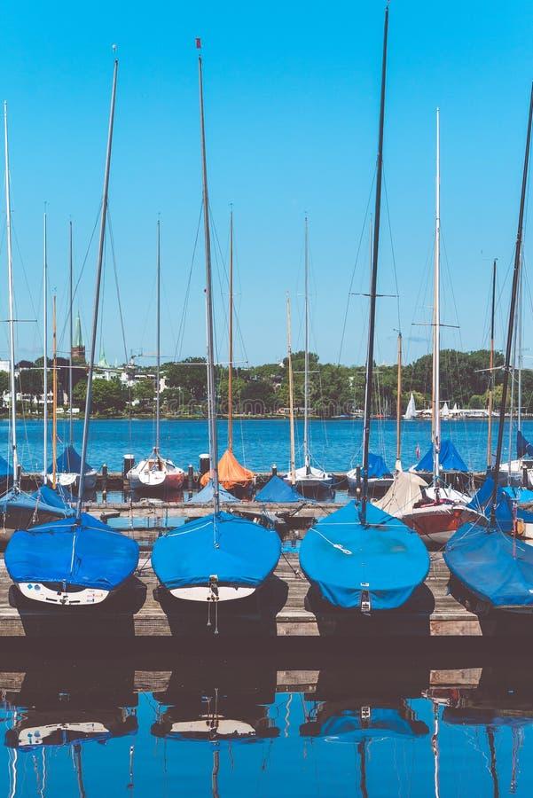 在码头的风船 Alster湖 德国汉堡 免版税库存图片