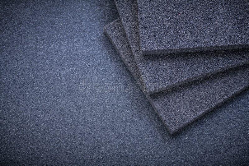 在砂纸研磨剂工具的铺沙的海绵 免版税图库摄影