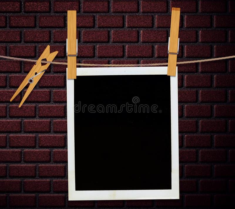 在砖墙的减速火箭的照片 图库摄影