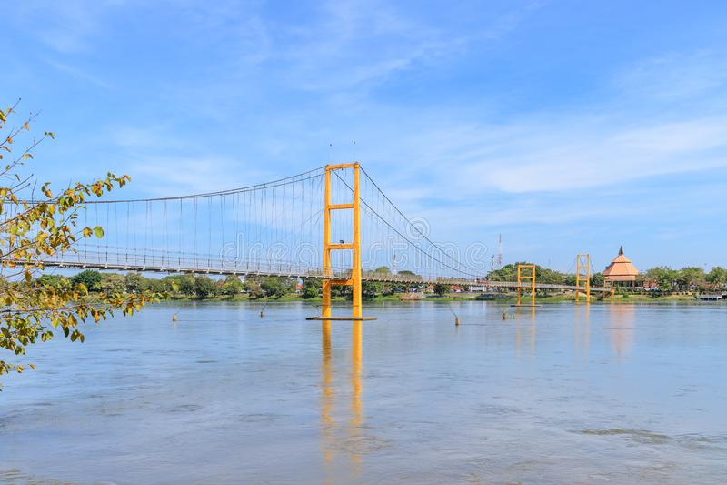 在砰河的曼谷二百年桥梁来兴府的,泰国 库存照片