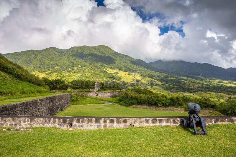 在硫磺小山堡垒的大炮圣基茨岛的 免版税库存照片