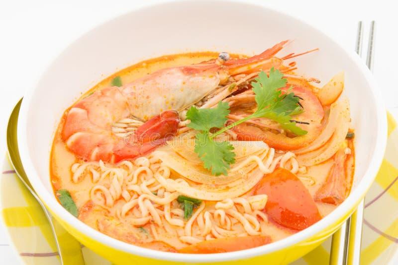 在碗和筷子的辣虾面条 库存照片