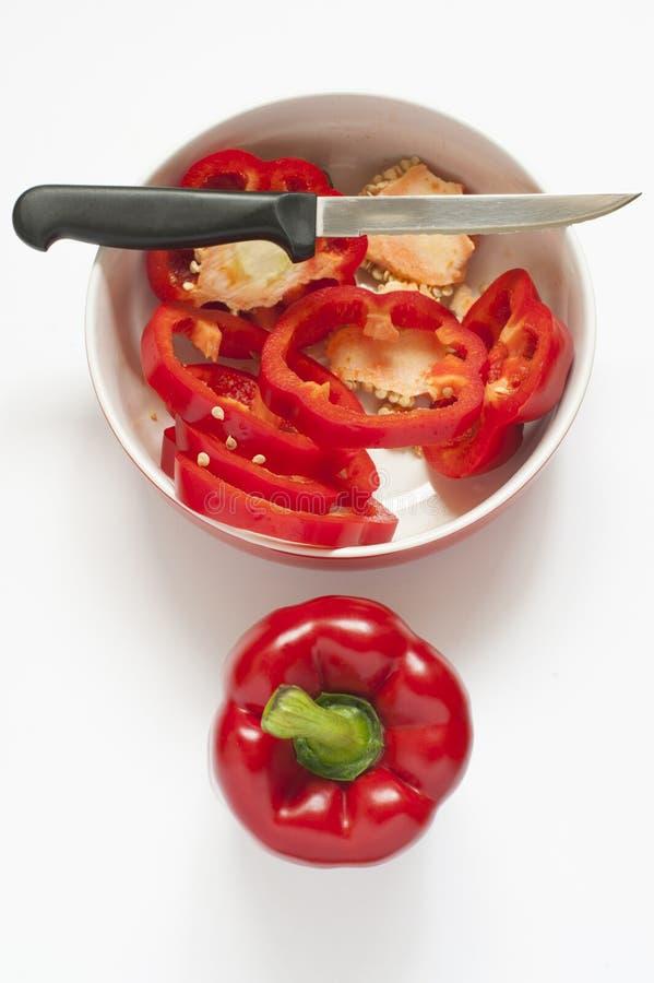 在碗的切的红色甜椒 图库摄影
