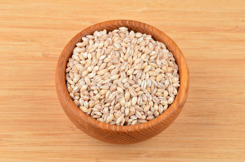 在碗的大麦沙粒 库存照片