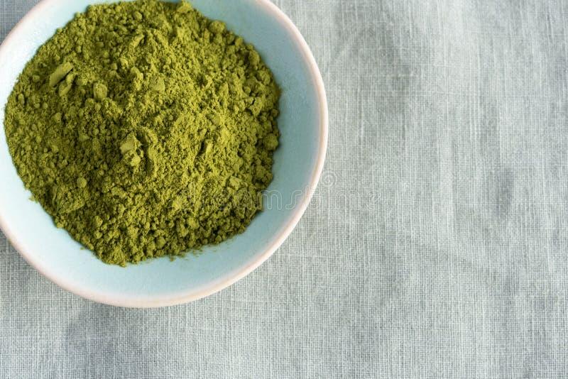 在碗的绿色matcha茶 图库摄影
