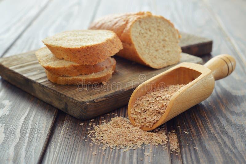 在碗的麦麸 免版税库存图片