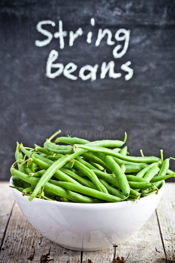 在碗的绿色菜豆 免版税库存图片