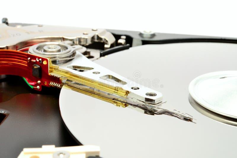 在磁性的硬盘里面打开盖子硬盘 免版税库存照片