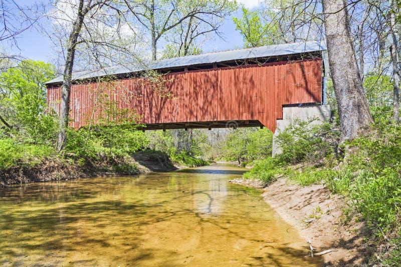 在磨房小河的Bowsher福特桥梁 免版税库存照片