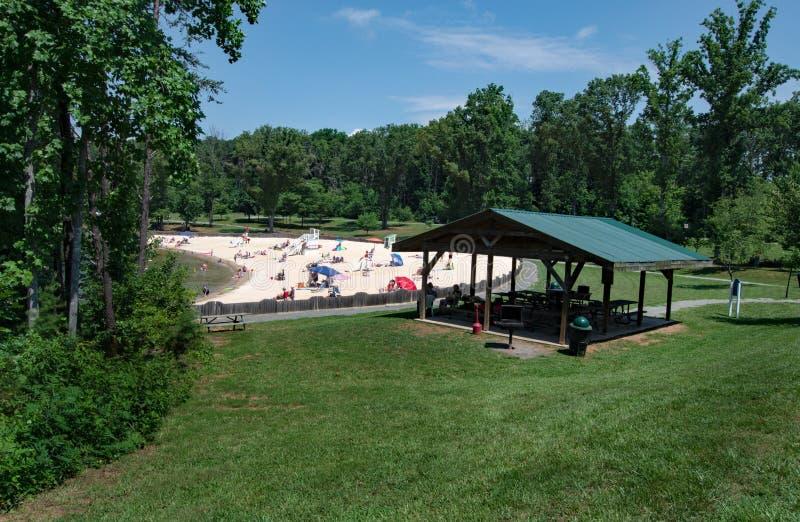 在社区公园的沙滩 免版税库存照片