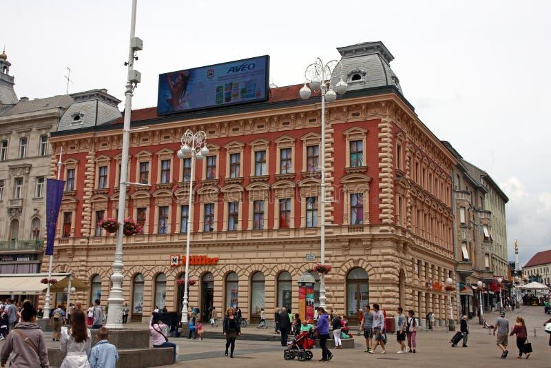 在禁令Jelacic广场的老大厦 免版税库存照片