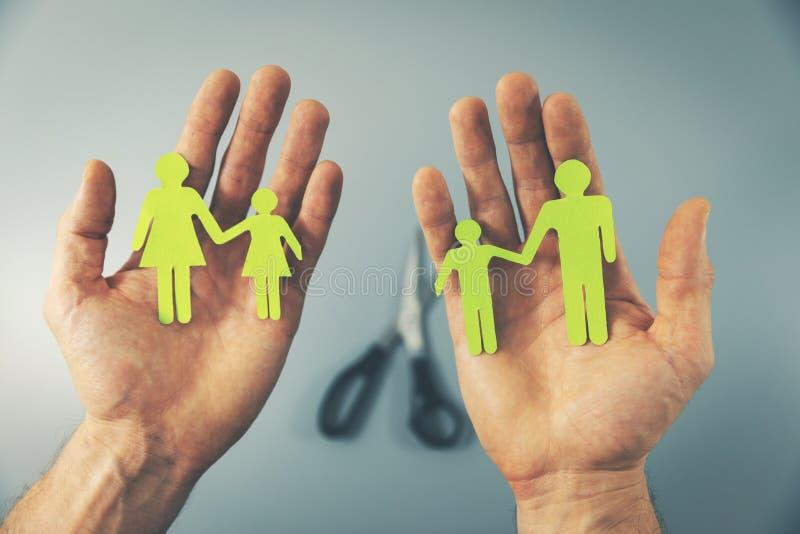 在离婚概念以后被分裂的家庭 免版税库存图片