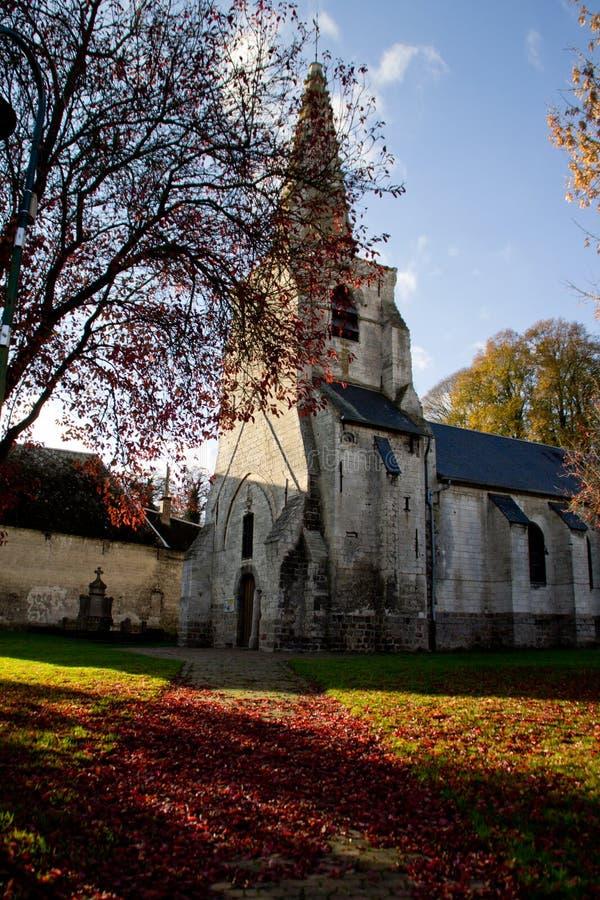 在秋天期间的Ecoivres教会 免版税库存图片