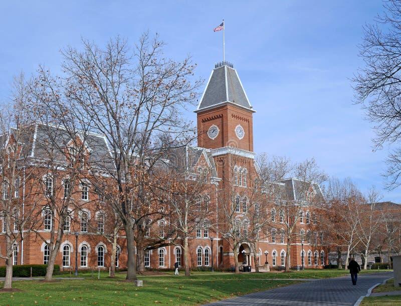 在秋天的学院大厦 免版税图库摄影
