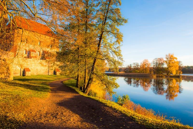 在秋天的湖风景 图库摄影