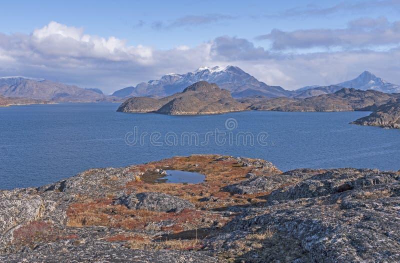 在秋天的贫瘠山在遥远的北极 库存图片