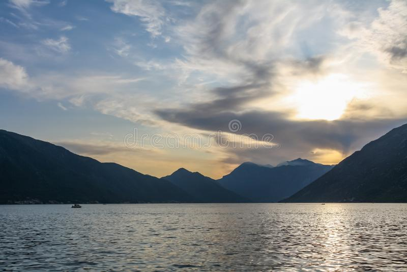 在科托尔湾的日落在黑山 免版税图库摄影