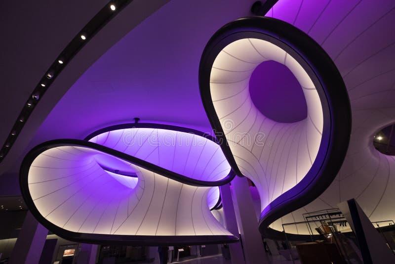 在科技馆的数学画廊,伦敦,英国,设计由萨哈・哈帝 数学模型启发的设施 库存图片