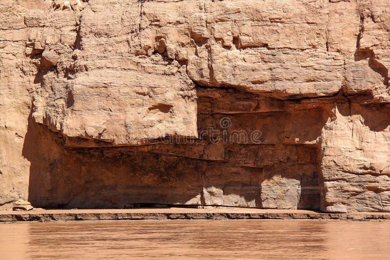 在科罗拉多河,大峡谷,亚利桑那的出色的意见 美好的自然风景背景 免版税库存照片