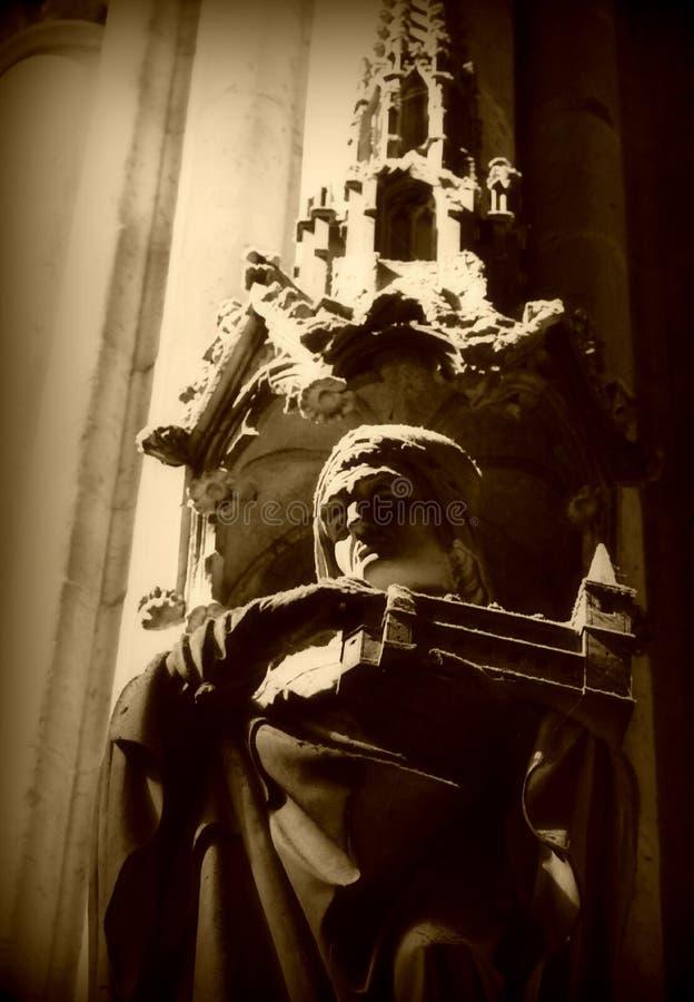 在科隆主教座堂-德国里面的美丽的艺术品-天主教徒 免版税图库摄影
