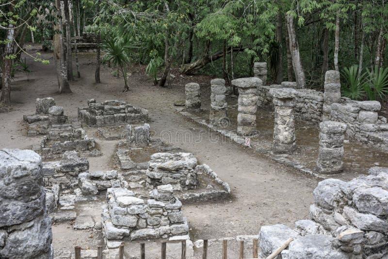 在科巴玛雅废墟的古老石建筑学遗物,墨西哥 库存图片