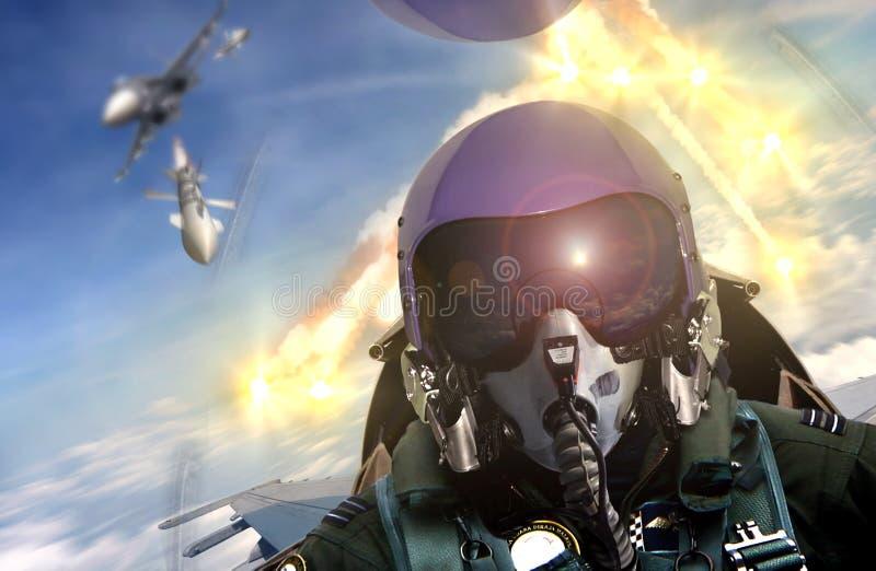 在空对空作战期间的驾驶舱视图 免版税库存照片