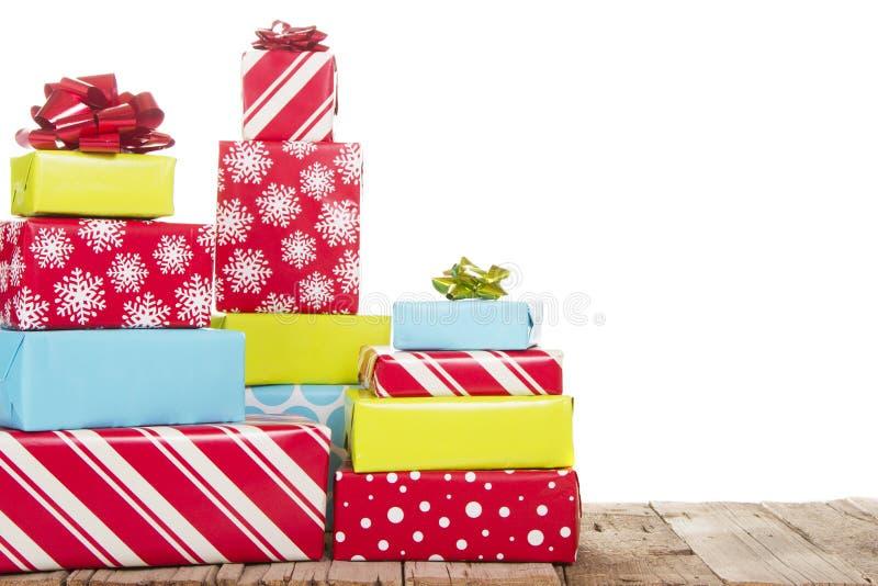 在空白背景查出的圣诞节礼物 图库摄影