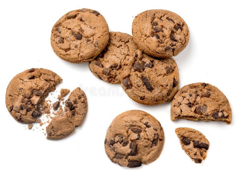 在空白背景查出的巧克力曲奇饼 平的位置 顶视图 自创曲奇饼 免版税库存图片
