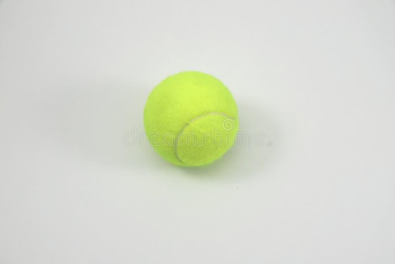 在空白背景的网球 图库摄影