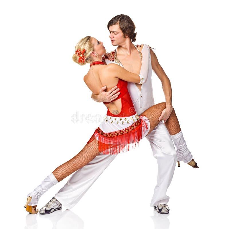 在空白背景的肉欲的辣调味汁跳舞夫妇 免版税库存照片
