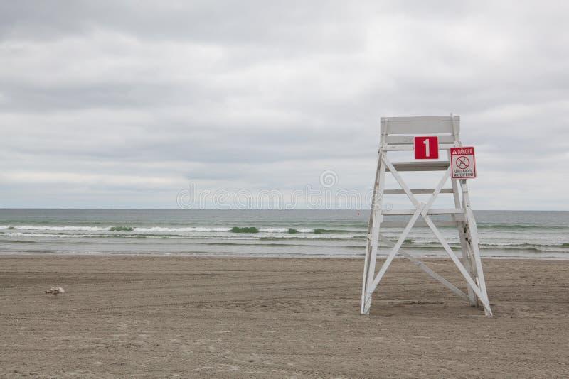 在空的海滩的城楼在Middletown,罗德岛州,美国 免版税库存图片