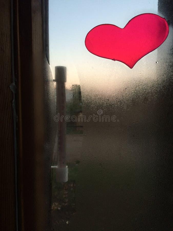 在窗口的心脏 库存照片