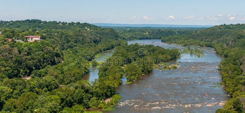 在竖琴师轮渡,从马里兰高度的西维吉尼亚鸟瞰图附近的波托马克河 免版税库存图片