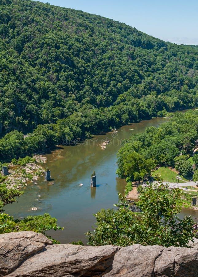 在竖琴师轮渡,从马里兰高度的西维吉尼亚鸟瞰图附近的Shenandoah河 库存图片